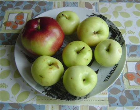 Яблоки мельба и белый налив